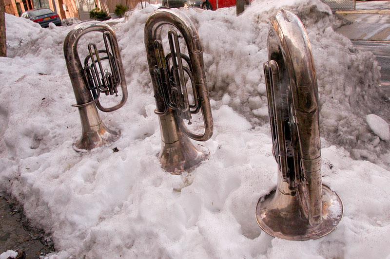 snow-tubas